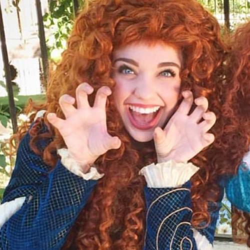 Wanted: $52,000 Nanny To Dress Up As Disney Princess