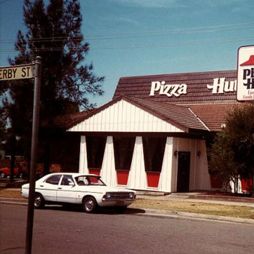 Check Out This Old Pizza Hut Menu With Genuine 1970s Prices!