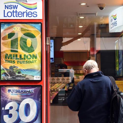 Australian Woman Changes One Little Thing.. And Wins The Lottery!