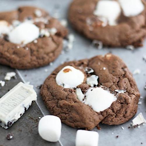Cookies N' Cream Marshmallow Cookies!