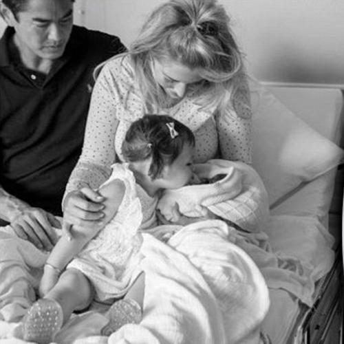 Aussie Blogger Gives Birth To Stillborn Daughter At 21 Weeks