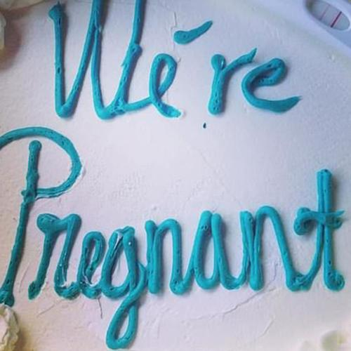 Woman Uses Positive Pregnancy Test As A Decorative Cake Topper