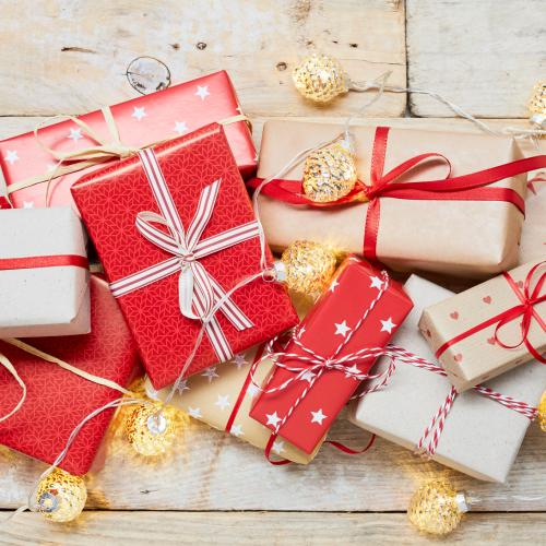This Christmas Wrapping Hack Will Change Your Life Forever!