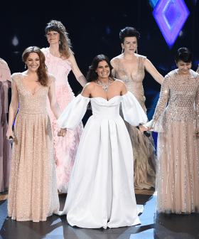 Idina Menzel Performs On Stage With Every Elsa In The World At The Oscars