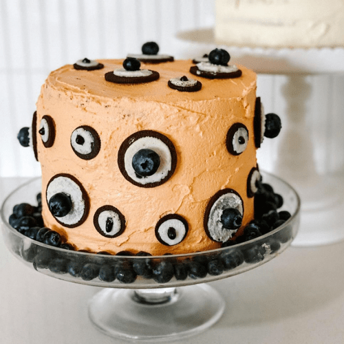 People Have Gone Crazy For These Halloween Cakes Made With Woolies Mudcakes