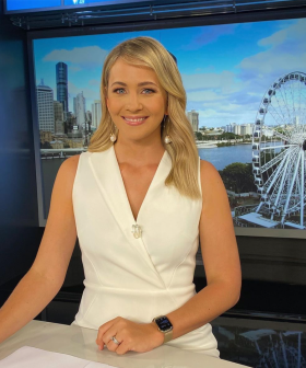 7News Presenter Has A 'Gold Dress' Moment After Posting Confusing Outfit Online