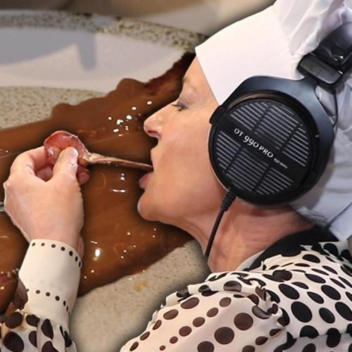 Amanda Keller Makes Us CHOCOLATE BACON!