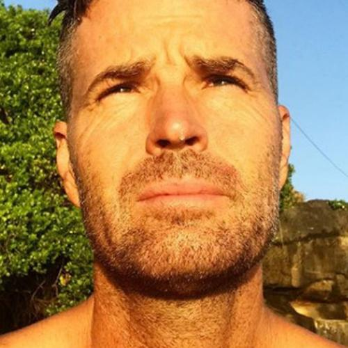 "Pete Evans' Instagram Account Deleted For ""Repeatedly Sharing Debunked Claims"""