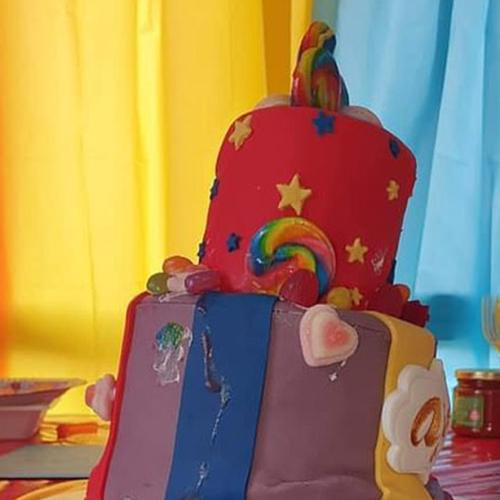 "Aussie Mum Distraught After Her Son's $200 Wiggles Cake Looks And Tastes ""Awful"""
